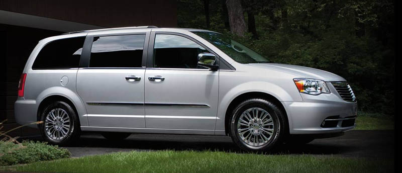 chrysler-town-country-2014