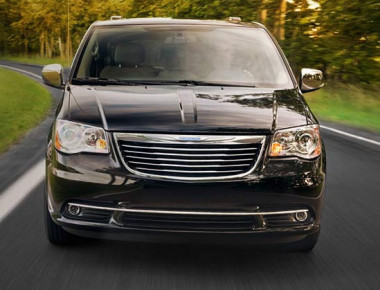 chrysler-town-country-canada