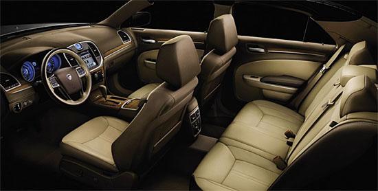 Interni Lancia Thema 2012 - www.guidoitaliano.it -